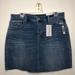 NWT Old Navy blue Jean pencil skirt. Size 12.